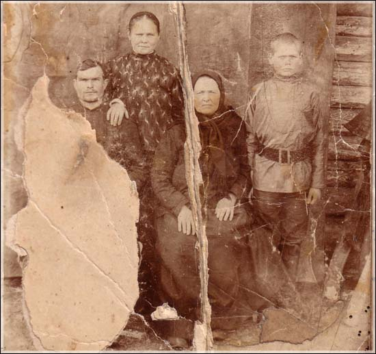 Orenburg Cossack Family.jpg